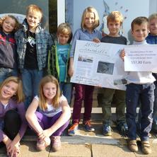 Mortimer-English Club spendet für Wiederaufbau der Schutzhütte